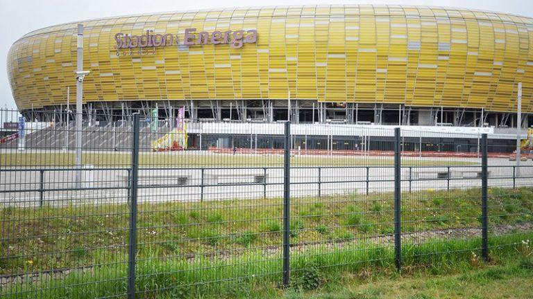 stadion słup R fit R+K i brama Klassik